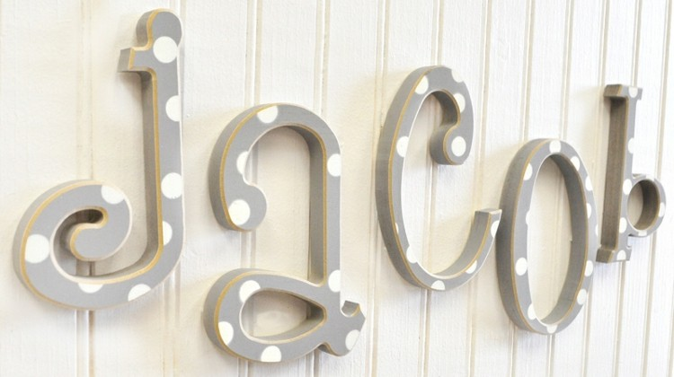 letras decorativas pared colgantes verticales blanco