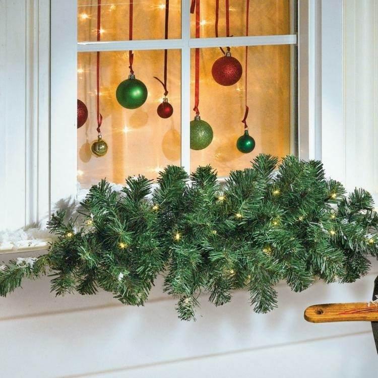 Adornos navide os ventanas de estilo fresco y creativo for Disenos navidenos para decorar puertas