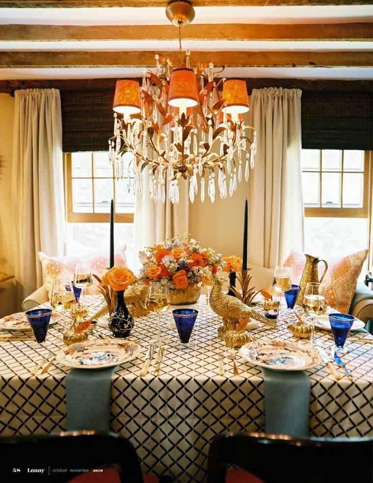 bonita decoración mesa dorados