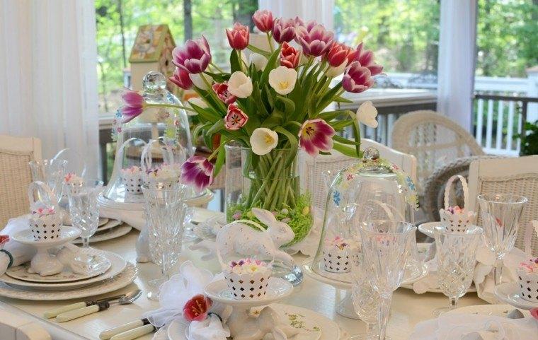bonito centro tulipanes colores
