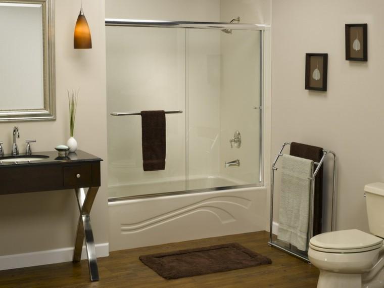 bonito diseño baño estilo moderno