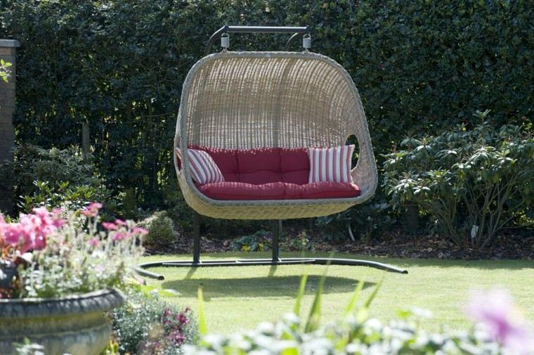 Columpio de mimbre para el jard n el placer de balancearse - Sillon columpio jardin ...