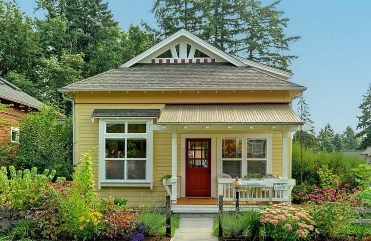 casa pequeña estilo americano amarilla