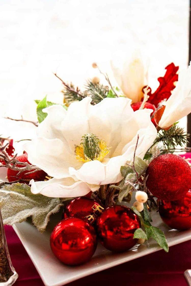cena de navidad centros de mesa bolas rojas ideas