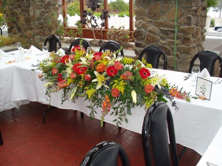 centro flores mesa novios colores