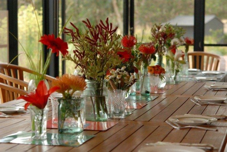 centros de mesa muchas flores