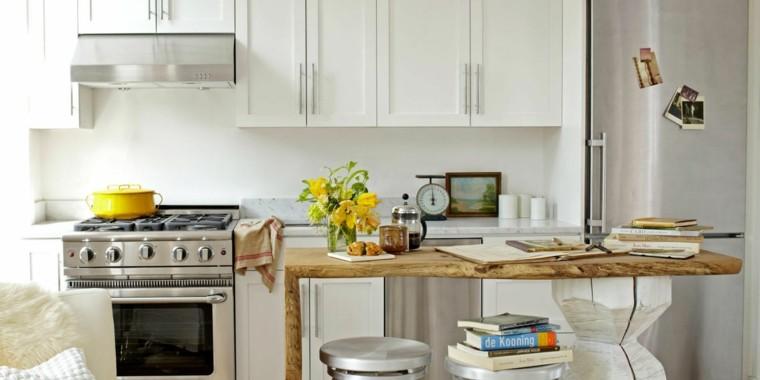 cocina pequeña mesa madera