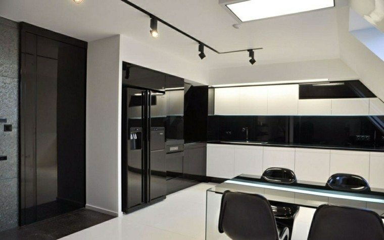 Color negro para la cocina 50 ideas creativas y diferentes for Cocina equipada negro y gris