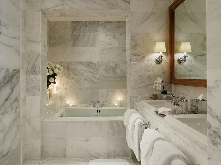 cuartos bano marmol espejo marco madera ideas