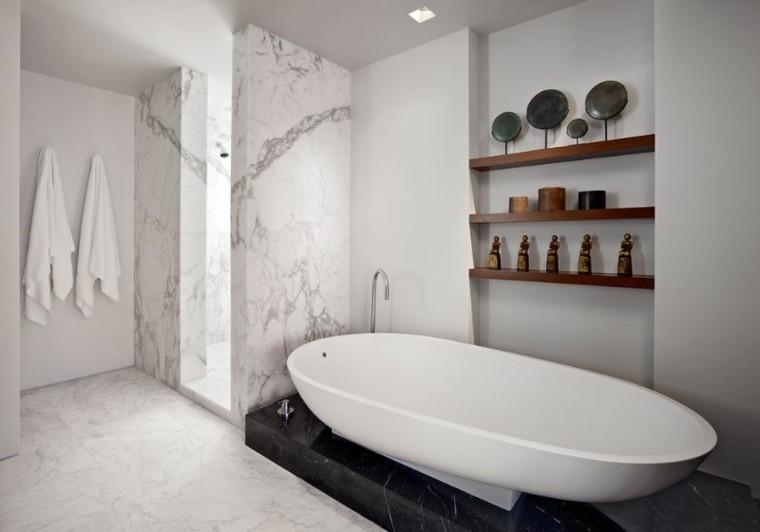 cuartos de baño marmol estanterias decoradas ideas