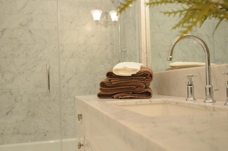 cuartos de baño marmol mampara ducha lavabo ideas
