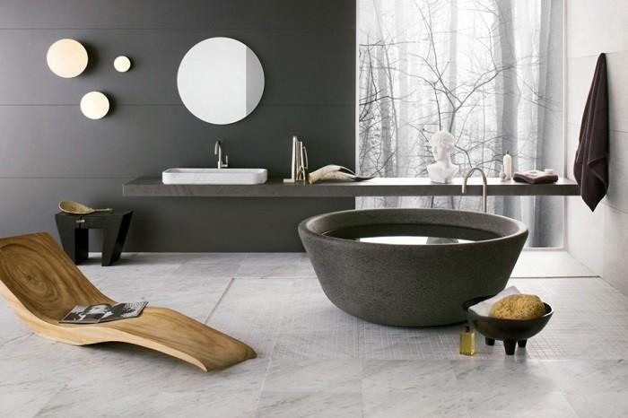 Baño Estilo Oriental:tumbona de madera en el cuarto de baño al estilo oriental