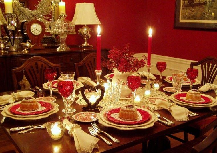 decoración mesa adornos rojos