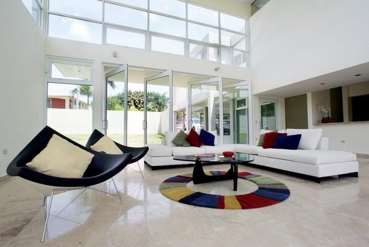 decoracion interiores salones acogedores sillones negros sofa blanca ideas