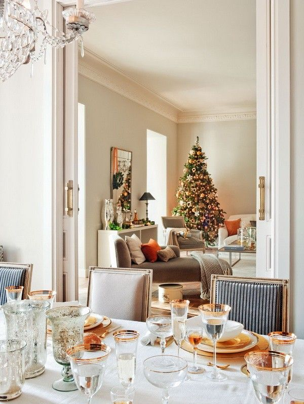 Decoraci n navide a casa espa ola con adornos preciosos for Decoracion navidena moderna