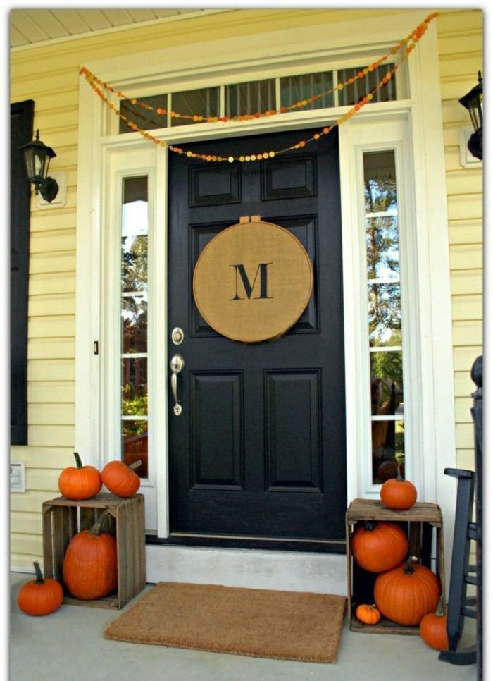 decoracion porche otono puerta cajas calabazas ideas