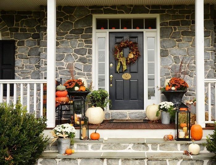 decoracion porche otono puerta guirnalda calabazas ideas
