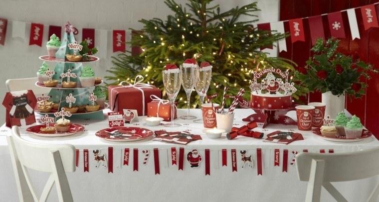 decoracion roja blanca mesa navidad copas gorros ideas