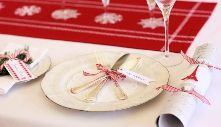 decoracion roja blanca mesa navidad lazos ideas