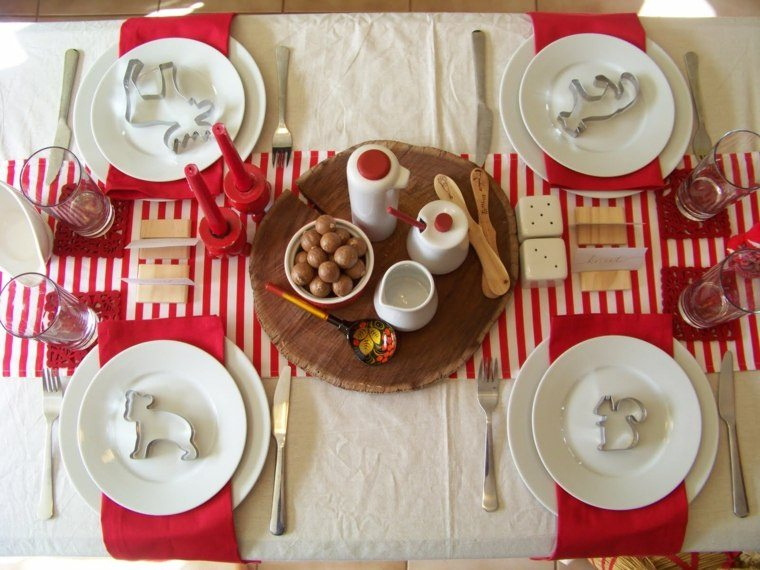 decoracion roja blanca mesa navidad mantel velas ideas