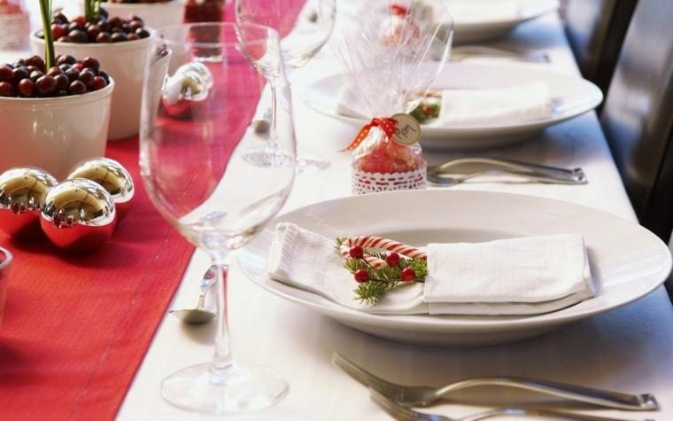 decoraciones roja blanca mesa navidena clasica ideas