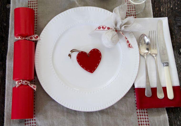 decoraciones roja blanca mesa navidena corazon ideas