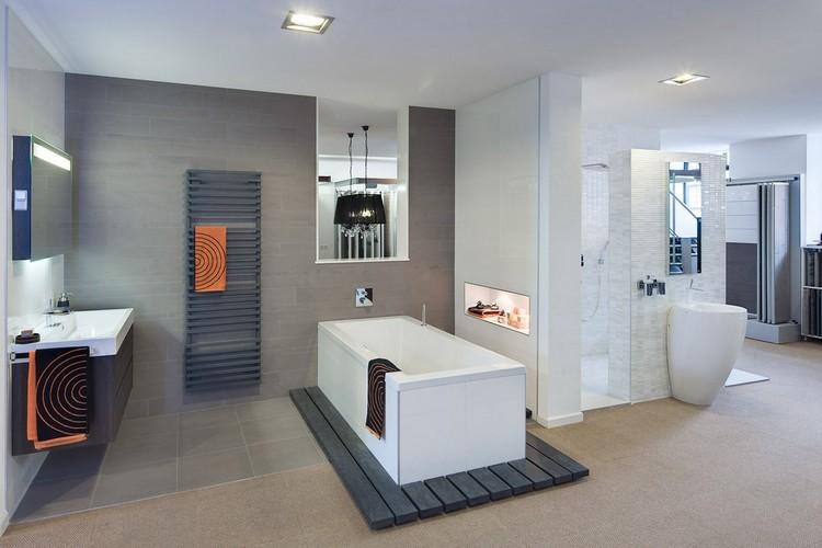 diseño cuarto baño tonos grises