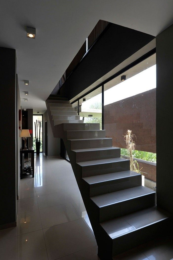 Escaleras de madera aluminio cristal 101 ideas for Escalera interior casa
