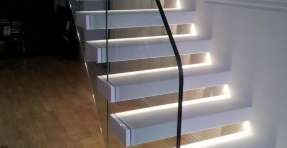 Escaleras de interior y exterior con iluminación LED