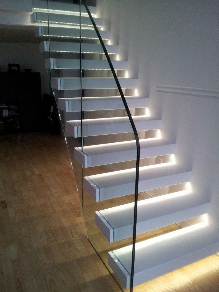 Escaleras de interior y exterior con iluminaci n led for Apliques de led para escaleras