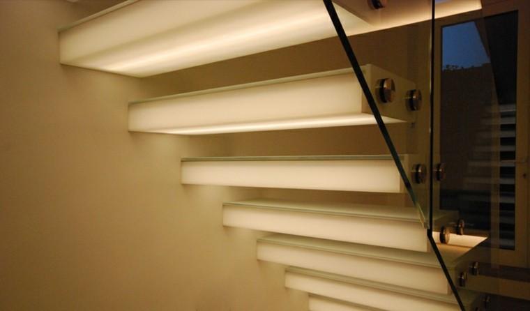 Escaleras de interior y exterior con iluminaci n led - Iluminacion exterior led ...