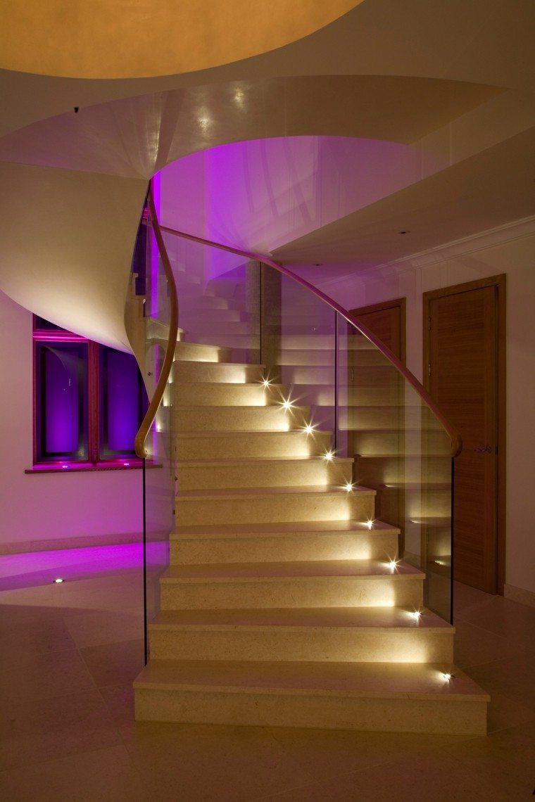 escaleras de interior iluminacion LED curvadas ideas