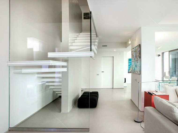 escaleras interior iluminacion LED pared cristal ideas