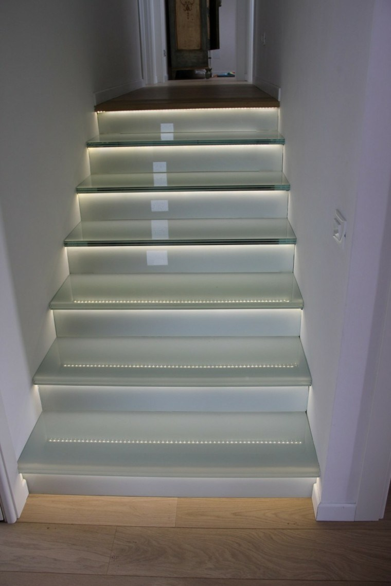 Escaleras de interior y exterior con iluminaci n led - Led per scale ...