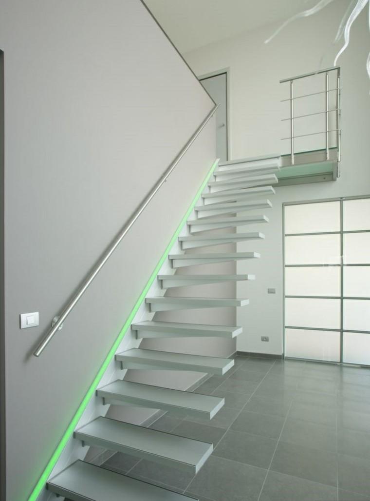 Escaleras de interior y exterior con iluminaci n led for Escaleras de material interior