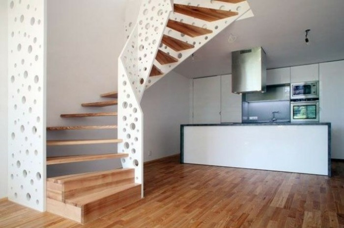 escaleras de madera aluminio cristal casa barandilla blanca agujeros ideas