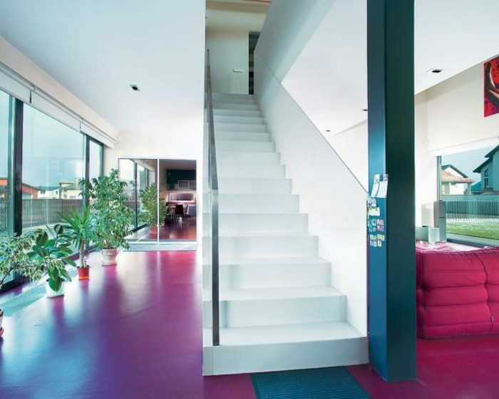 escaleras madera aluminio cristal casa suelo rojo ideas