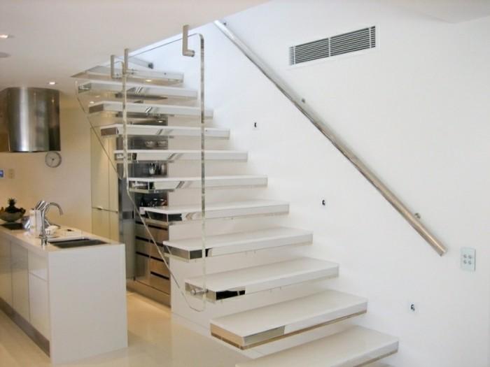 Escaleras de madera aluminio cristal 101 ideas for Escalera de cocina