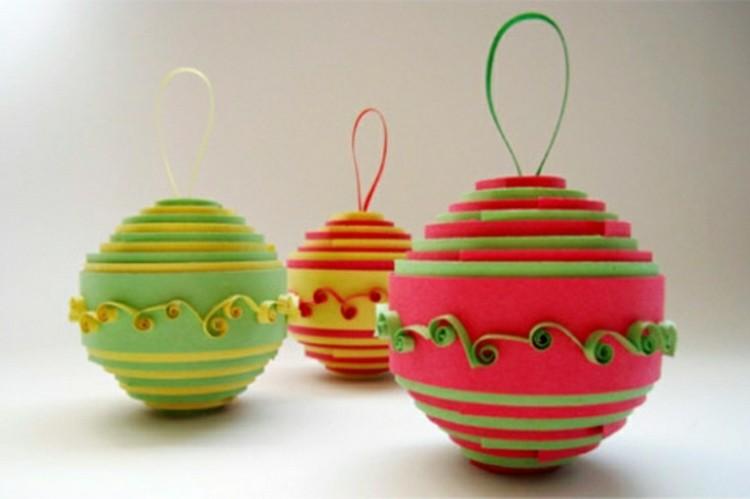 esferas colores colgantes plantas bolas