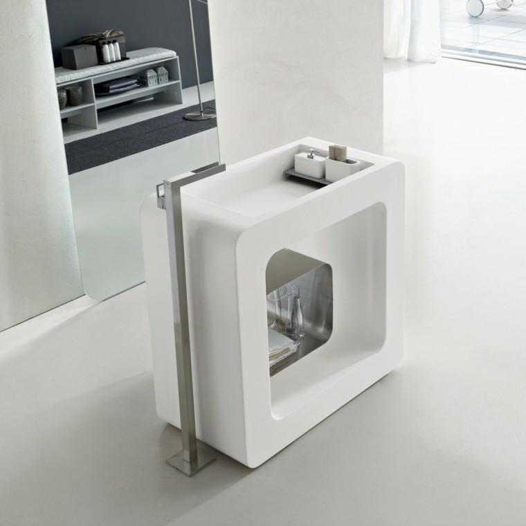 fotos de baños espejos centros metales