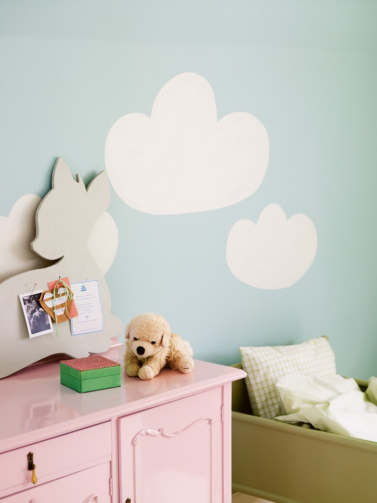 habitacion bebe pared celeste