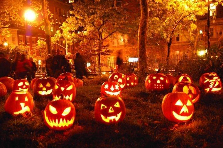 imagenes de halloween decoracion puerta candelabros calabazas ideas