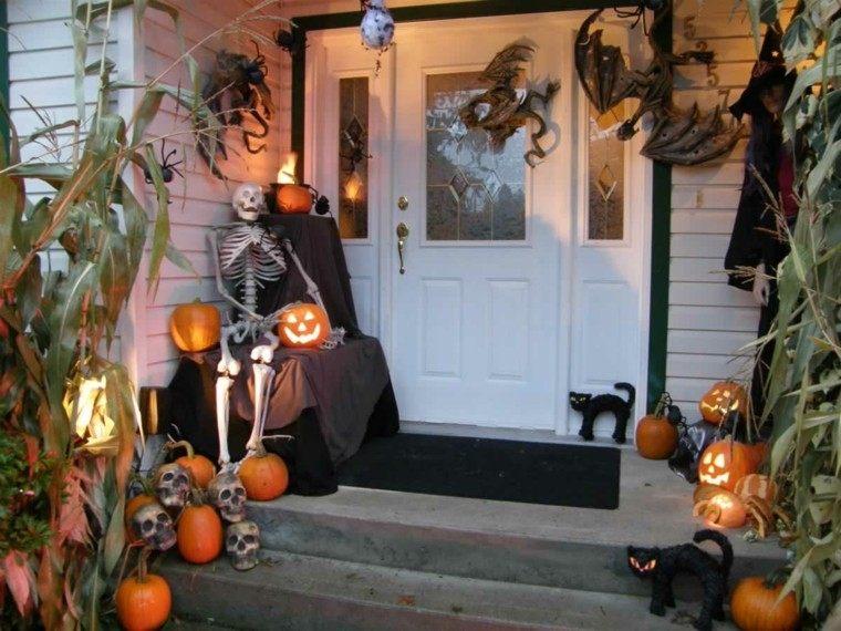 imagenes halloween decoracion puerta miedo calabazas linternas ideas