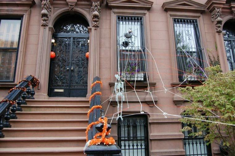 imagenes halloween decoracion puerta miedo telarana ideas