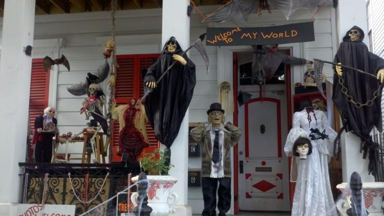 Imagenes de halloween 35 ideas para decorar la puerta - Como decorar halloween ...