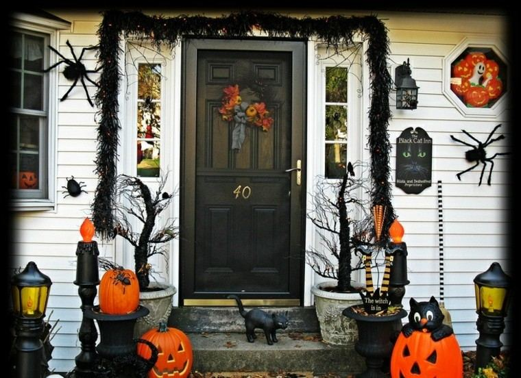 Imagenes de halloween 35 ideas para decorar la puerta - Decoracion halloween 2017 ...