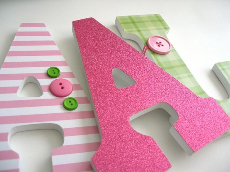 letras decorativas pared rosa botones lineas - Letras Decorativas