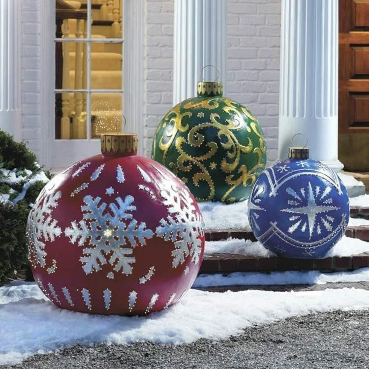 luces de navidad ideas jardines colorido bolas
