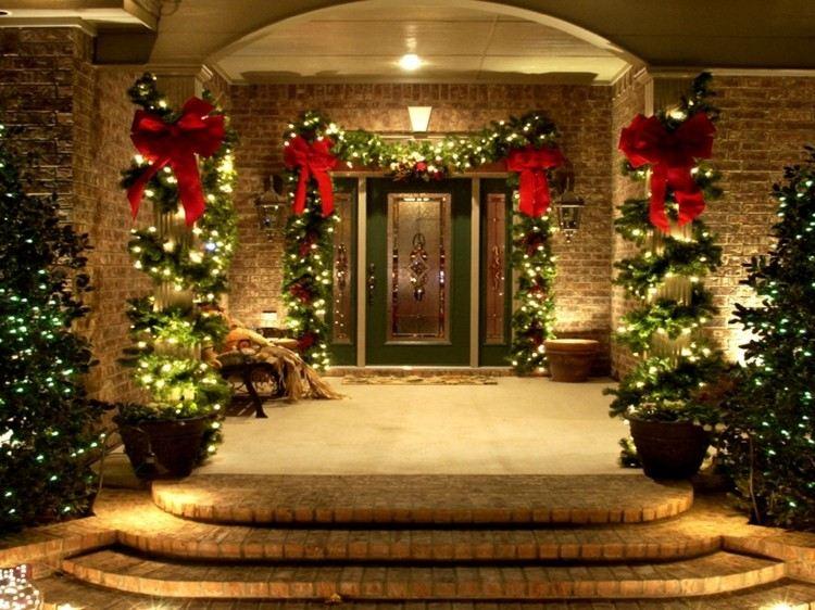 luces de navidad ideas jardines columnas escalones