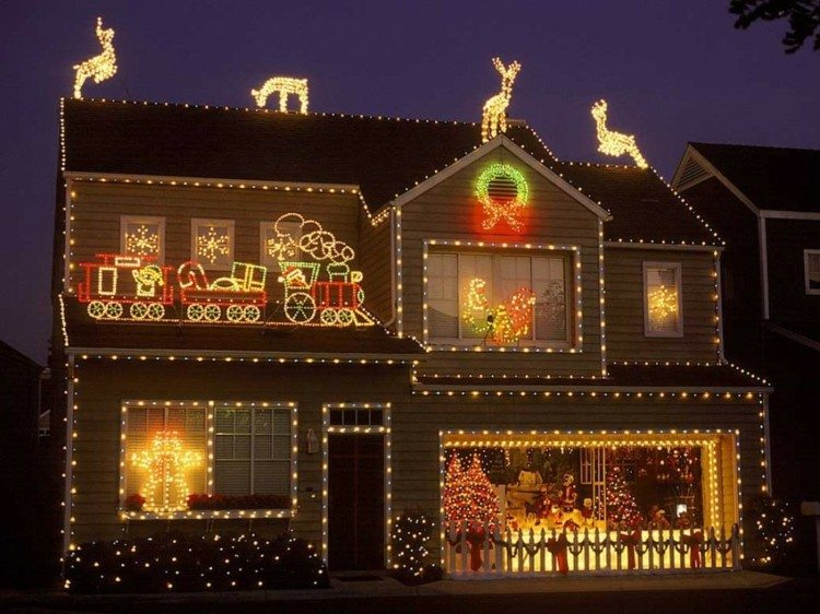 luces de navidad ideas jardines renos tejado